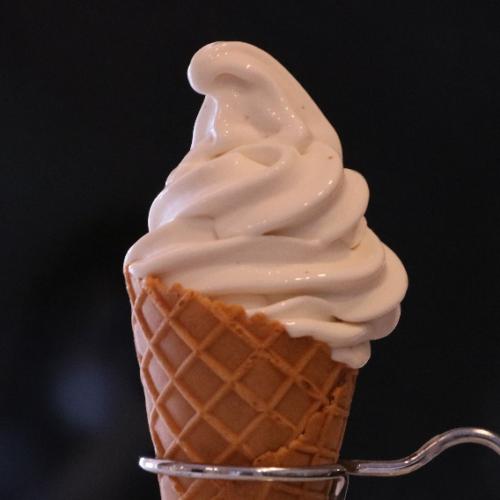 神戸のイチジクソフトクリーム新発売